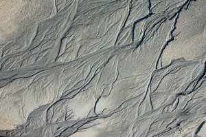 Water patterns in the sand